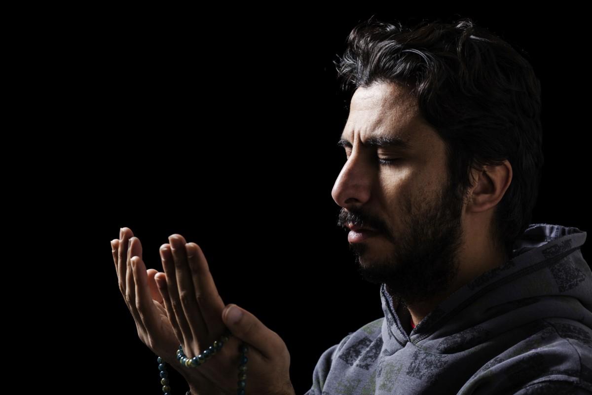 Islamic Prayer Western Man 1